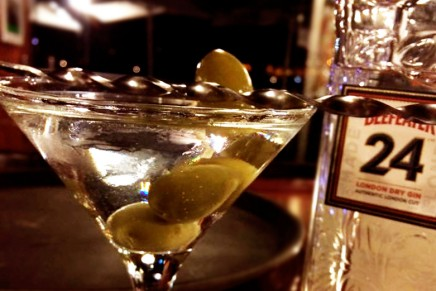 Martini-Tons-Sur-Bar-Grill-2